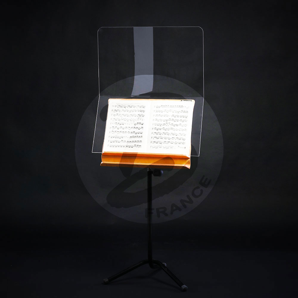 Anti-projection protective screen for conductor music stand